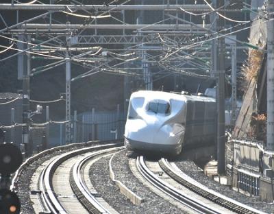 熱海駅付近の東海道新幹線