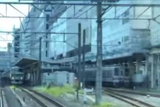 池袋駅で隣り合う東武東上線とJR山手線